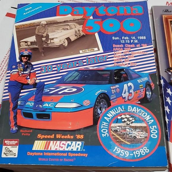 30th & 50th Daytona 500 magazine's